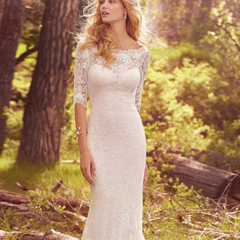 """Traumhaftes fit-and-flare Brautkleid aus traumhafter Spitze. <a href=""""https://www.maggiesottero.com/maggie-sottero/mckenzie/10123?utm_source=mywedding.com&amp;utm_campaign=spring17&amp;utm_medium=gallery"""" target=""""_blank"""">Maggie Sottero</a>"""