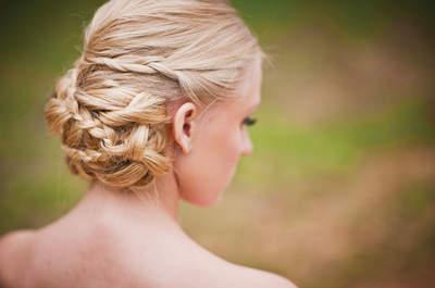 Trend 2015 per le acconciature da sposa: le mille e una treccia!