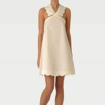 Robe Tara Jarmon 2012 : Mademoiselle Tara. Les ravissantes bretelles croisées donnent à la robe une touche estivale et raffinée. Source : Tara Jarmon