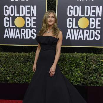 Jennifer Aniston veste Christian Dior. Crédits: Cordon Press