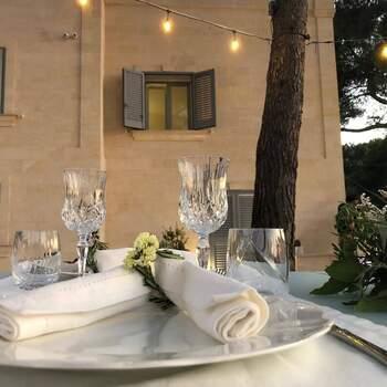 Qui, Mediterraneo: La semplicità premia l'eleganza, nei maglifici spazi di una location dal gusto mediterraneo.