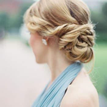 Penteado para noiva com cabelo preso | Foto: Kate Ignatowski Photography