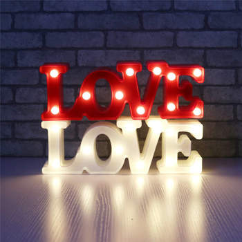 Carteles Love iluminados. Credits: Aliexpress