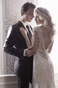 Maggie Sottero 2015: Exclusive gowns for feminine and sensual brides
