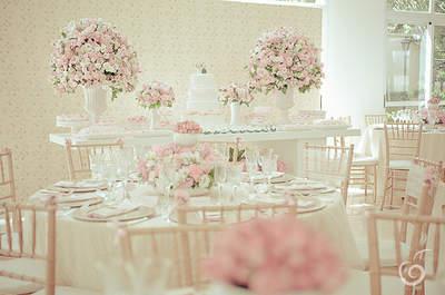 Tischdekoration für Ihre Hochzeit in Pastelltönen