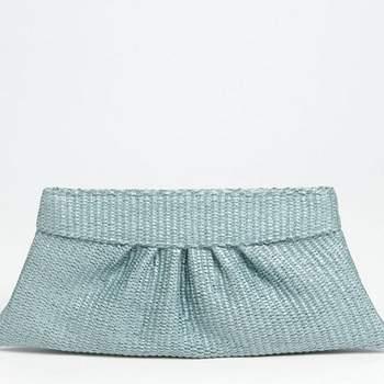 """Espectacular bolso de """"estilo sobre"""" tejido con recogido en el centro."""