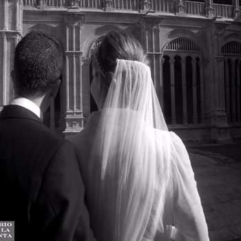 """Largo hasta el """"codo"""" regularmente sale en medio del peinado de la novia."""