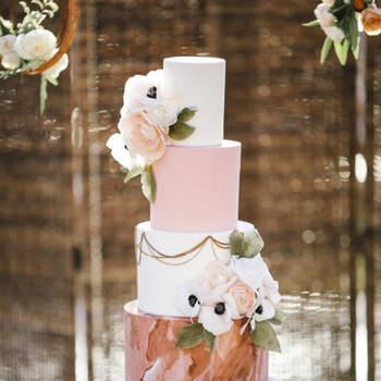 Inspiração para bolos de casamento de 4 andaresb | Créditos: Josh Elliott Photography