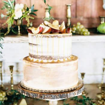 Os naked cakes continuam a ser uma opção de bolos de casamento muito procurada pelos noivos | Créditos: Awake Photography