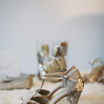 Una principessa da sandali dorati.  Foto via Elisabetta Marzetti