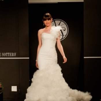 Sophistiquée et élégante, cette robe a fière allure.