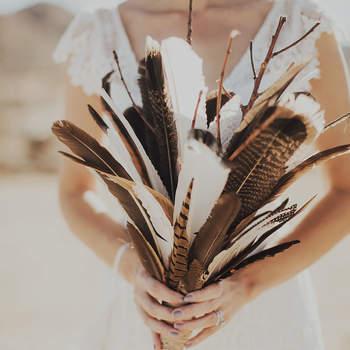 Bouquet de mariée fleurs plumes originale Katie Branch