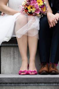 Farbige Akzente für das Hochzeitsoutfit 2016?