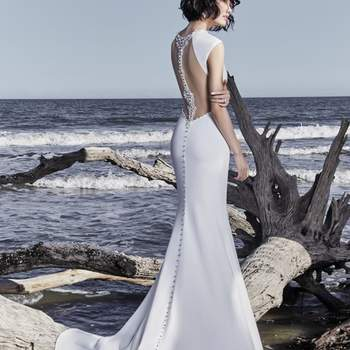 """<a href=""""https://www.maggiesottero.com/sottero-and-midgley/arleigh-rose/11517"""">Maggie Sottero</a>"""