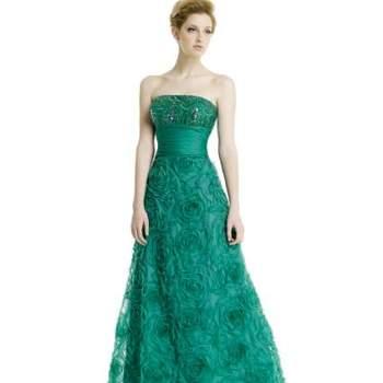Não importa o estilo de casamento a que somos convidadas, queremos sempre estar lindas. E esta coleção 2013 de vestidos para a noite de Alma Fiesta dá todo o charme e elegância que a ocasião merece!