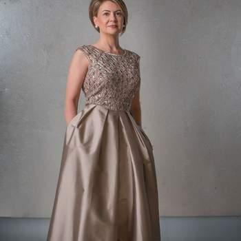 Foto: Gloria Peláez Trajes y Vestidos