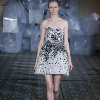 Mira Zwillinger. Créditos: New York Bridal Fashion Week April 2018