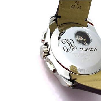 Relógio gravado. Credits: Grabados Álvarez