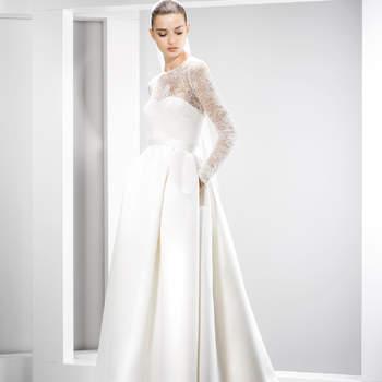 4599ae2dfa 42 wspaniałe suknie ślubne idealne na ślub zimową! Zobacz 42 zdjęć.  Credits  Jesús Peiró Credits  Jesús Peiró Credits  Jesús ...