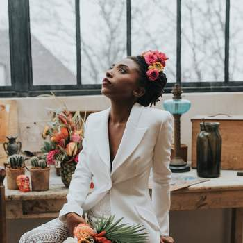 Photo : Margaux Pastor - Tenue : Rime Arodaky - Coiffure : Cut & Learn - Maquillage : Bbeautiful Relooking - Fleurs : Aude Rose