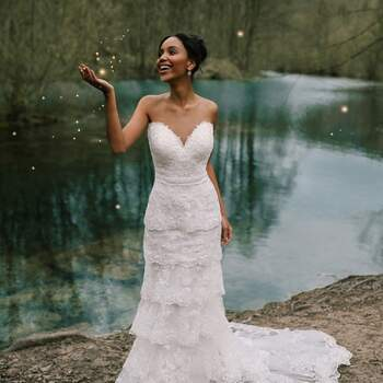 Photo : Allure Bridal