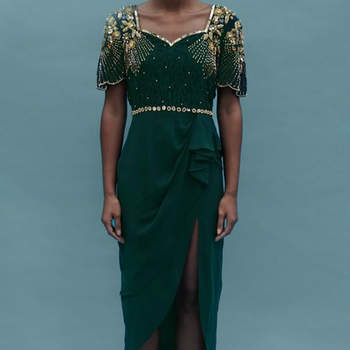 Laila Dress Green. Credits: Virgos Lounge