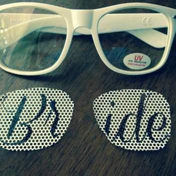 Personaliza tus propias gafas de sol con plantillas hechas a tu gusto. Foto: Eyepster