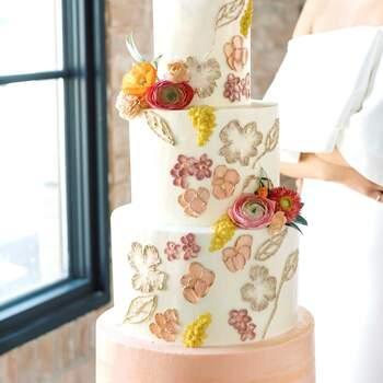 Foto: @thedessertstudioutah - Pastel de bodas elegante y sencillo en tonos claros
