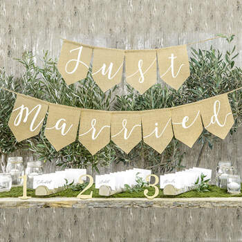 Guirlanda Banderitas Just Married- Compra en The Wedding Shop