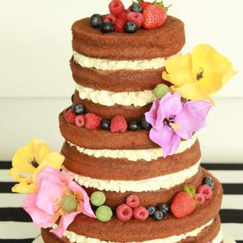 """<a href=""""http://www.vintagecakecompany.pt/contacts.php""""> Bolo: Vintage Cake Company.</a>"""