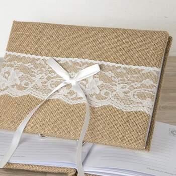 Livre D'or Rustique En Jute Et Dentelle Blanche - The Wedding Shop !