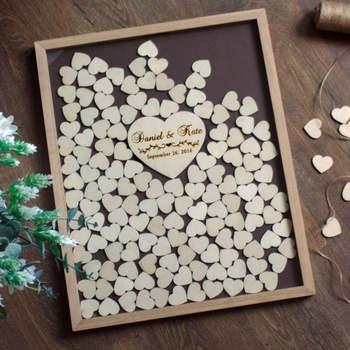 Corazones de madera para firmar y meter en marco. Credits: de.dawanda