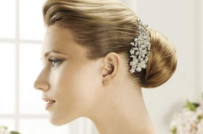 Elegantes tocados para peinado de novia colección Pronovias 2013