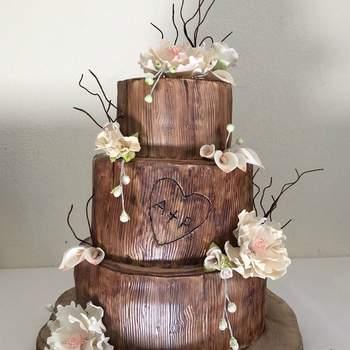 Inspiração para bolos de casamento diferentes e originais de 3 andares | Créditos: Once Upon a Cake