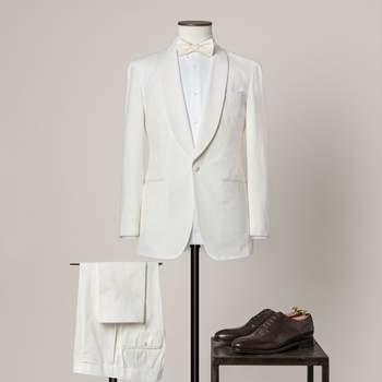 Cremefarbener 2-teiliger, einknöpfiger Hochzeitsanzug aus fein gerippter Baumwolle mit Schalkragen und doppeltem Steppstich.