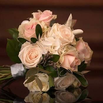 Crediys: Sweet Pea Flowers