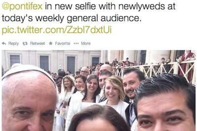 As mais divertidas #selfiesdenoivas, convidados e até com o Papa Francisco!