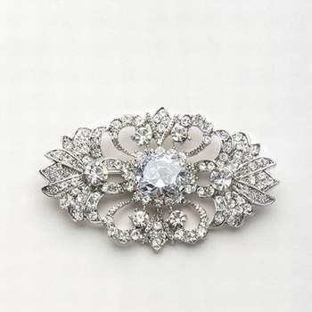 Spilla di diamanti ideale da applicare per valorizzare un abito semplice