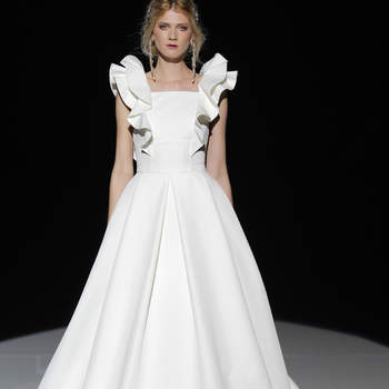 Foto: Jesús Peiró. Credits_ Barcelona Bridal Fashion Week
