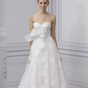 Ultra féminine et glamour, cette robe Monique Lhuillier 2013 a beaucoup de chic.