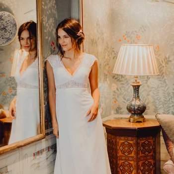 Robe de mariée romantique en dentelle modèle Agathe - Crédit photo: Elsa Gary