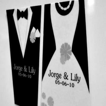 ¿No sabes que detalles regalar como recuerditos de tu boda?, los imanes para refrigerador son una buena opción. Foto de Aki Publicidad