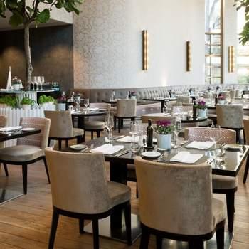The Charles Hotel: Ihre Hochzeit ist ein ganz spezieller Anlass, ein besonderer Tag in Ihrem Leben, den Sie mit Familie und Freunden teilen möchten. Das The Charles Hotel in München bietet mit unübertroffenem Service und Liebe zum Detail eine stilvolle Kulisse für den Eintritt in den Bund der Ehe.