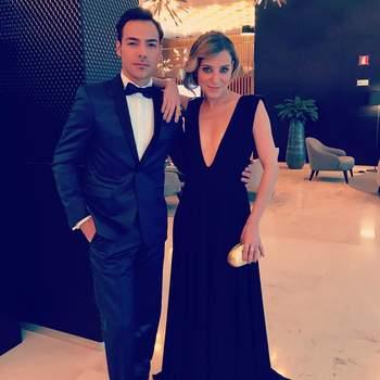 Com o James Bond... Tiago vestido por Gio Rodrigues. Foto via IG @tiagoaldeia.oficial