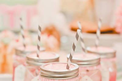 Erfrischende Limonade bei der Hochzeit – So gestalten Sie die kreative Bar