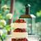 Gâteau de mariage avec des fruits rouges en nombre. Une vraie gourmandise en perspective ! - Photo : Jobbolier.nl