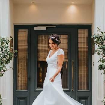 Robe de mariée simple modèle Floriane - Crédit photo: Elsa Gary