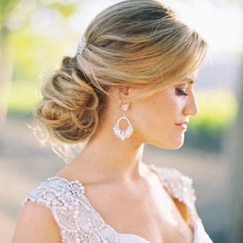 Penteado para noiva com cabelo preso   Credits: Jessica Burke Photography