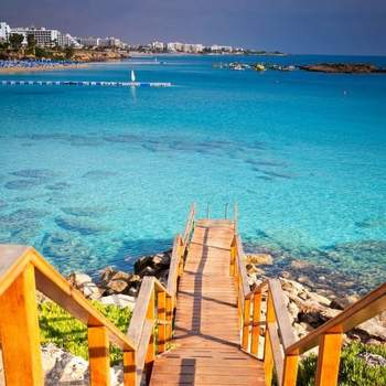 Fig Tree Bay - Chipre Via: Pinterest
