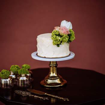 Simples, mas lindo, sofisticado e delicioso: ideal para casamentos mais íntimos | Créditos: Bakewell |  Foto: Helder Couto